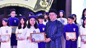 367 outstanding students honored in Temple of Literature