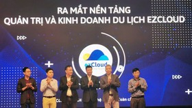 The launching ceremony of ezCloud on December 11 at the head office of the Ministry of Information and Communications in Hanoi. (Photo: SGGP)