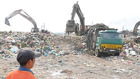 At a landfill in Ho Chi Minh City (Photo: SGGP)
