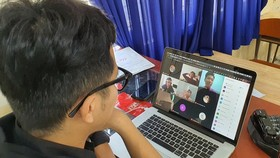 Localities in HCMC implement solutions to help students with distance learning