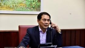 COVID-19 fight now Vietnam's top priority: Deputy FM