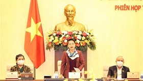 NA Chairwoman Nguyen Thi Kim Ngan addresses the closing of the 53rd session of NA Standing Committee (Photo: VNA)