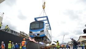 Six wagons of Ben Thanh-Suoi Tien metro line arrive in HCMC