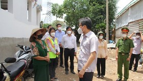 Deputy PM requires Binh Chanh District to focus on caring for Covid-19 patients
