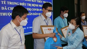 HCMC praises religious volunteers in fight against Covid-19