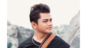 Ca sĩ - nhạc sĩ Y Jang Tuyn qua đời vì Covid-19