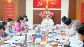 Đồng chí Nguyễn Thiện Nhân phát biểu tại buổi làm việc. Ảnh: THU HƯỜNG