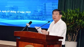 Chủ tịch UBND TP Nguyễn Thành Phong phát biểu tại hội nghị