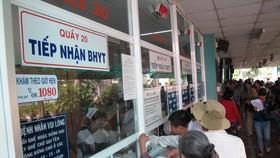 Bệnh nhân đăng ký khám chữa bệnh tại Bệnh viện Trưng Vương