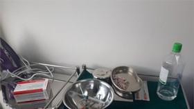 """Những dụng cụ hành nghề được phát hiện tại cơ sở thẩm mỹ """"chui"""""""