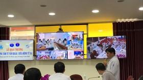 Các bác sĩ Bệnh viện Nhi đồng 1 cùng hội chẩn với Bệnh viện Sản Nhi An Giang