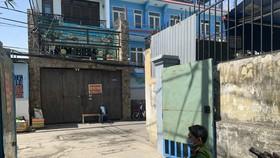 Khu nhà trọ hẻm 102 Lê Văn Thọ, phường 11, quận Gò Vấp chính thức được gỡ bỏ phong tỏa vào trưa 26-3