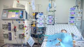 Bé 6 tháng tuổi sốt, ói 4 ngày liền, nhập viện mới biết mắc tay chân miệng độ nặng