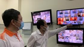 Phó Chủ tịch UBND TPHCM Dương Anh Đức kiểm tra cong tác phòng chống dịch tại cơ sở cách ly có thu phí trên địa bàn Thành phố