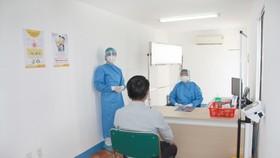 Cơ sở khám chữa bệnh tăng cường giám sát người bệnh có yếu tố dịch tễ và yếu tố nguy cơ