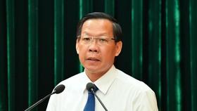 Đồng chí Phan Văn Mãi phát biểu tại một cuộc họp Ảnh: VIỆT DŨNG