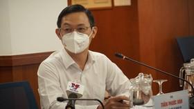 Ông Trần Phước Anh, Quyền Giám đốc Sở Ngoại vụ TPHCM thông tin tại buổi họp báo