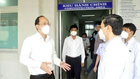 Phó Bí thư Thành ủy TPHCM Nguyễn Hồ Hải thăm, động viên y bác sĩ Bệnh viện Chợ Rẫy