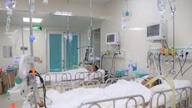 Bệnh nhân ngộ độc methanol đang điều trị tại Bệnh viện Nguyễn Tri Phương