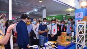 Hội chợ quy tụ hơn 300 gian hàng với nhiều sản phẩm Việt Nam đạt chất lượng cao