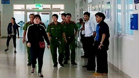 Lực lượng công an có mặt tại Bệnh viện Sản-Nhi Quảng Ngãi