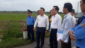 Phó Chủ tịch Ủy ban ATGT Quốc gia khảo sát tuyến tránh Quốc lộ 1 qua huyện Mộ Đức-Quảng Ngãi