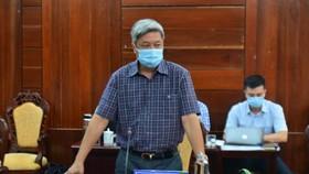 Thứ trưởng Bộ Y tế Nguyễn Trường Sơn chỉ đạo chống dịch tại Quảng Ngãi
