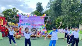 Trung thu đến với các em Trung tâm Nuôi dạy trẻ khuyết tật Võ Hồng Sơn