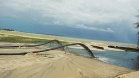 Quảng Ngãi: Khẩn trương nạo vét cửa biển Cửa Đại để tàu thuyền vào tránh trú