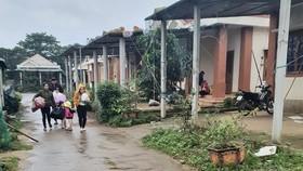 Hàng trăm người dân đảo Cồn Cỏ di tản xuống hầm trú bão