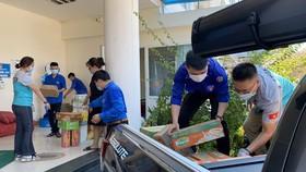 Chuyến xe yêu thương chở nhu yếu phẩm từ Quảng Ngãi đến TPHCM góp phần chống dịch