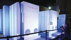 Tesla xây nhà máy dự trữ điện ở Australia