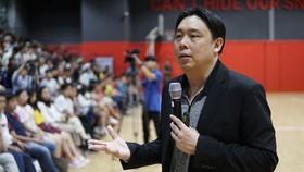 Triệu phú Singapore Adam Khoo tiếp lửa cho sinh viên Việt Nam