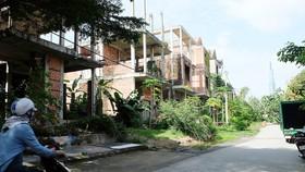 Khu biệt thự bỏ hoang gần 10 năm