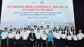 Công ty TNHH Phát triển Phú Mỹ Hưng trao học bổng Lawrence S. Ting và trao tài trợ năm 2019