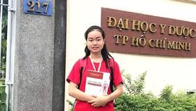 Cô gái Khmer vào giảng đường y khoa