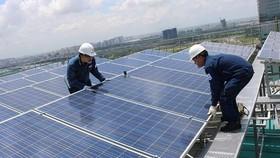 Trên 1.400 khách hàng lắp đặt điện mặt trời áp mái