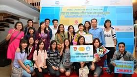 Thí sinh tham dự Hội thi Hướng dẫn viên Du lịch giỏi TPHCM mở rộng năm 2016. Ảnh: SDL
