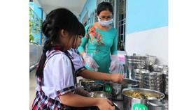Lai Châu: Nâng cao chất lượng bữa ăn bán trú