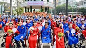 Lễ cưới tập thể 50 cặp vợ chồng khuyết tật