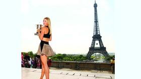 """""""Búp bê"""" Maria Sharapova: Biểu tượng sắc đẹp và tài năng"""