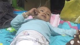 Cháu Danh phải nằm Bệnh viện Ung bướu TPHCM chữa trị dài hạn