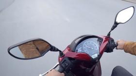 Gương chiếu hậu xe máy phải đúng chuẩn