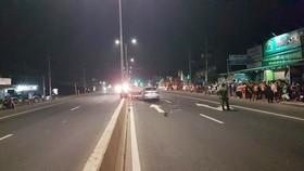 Hiện trường vụ tai nạn giao thông tại Km 77 QL13, thuộc ấp 3B, xã Minh Hưng, huyện Chơn Thành (tỉnh Bình Phước) giữa xe máy và ô tô, làm 2 người tử vong.