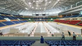 Bệnh viện dã chiến đặt tại Cung thể thao Tiên Sơn. Ảnh: XUÂN QUỲNH