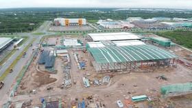 Nhà máy Jotun Việt Nam (Na Uy) đang xây dựng tại huyện Nhà Bè. Ảnh: CAO THĂNG