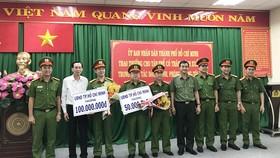 Khen thưởng đơn vị có thành tích xuất sắc trong phòng chống tội phạm