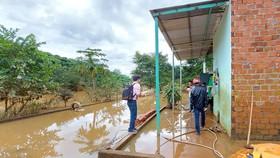 Thủy điện tích nước trái phép, làm khổ dân