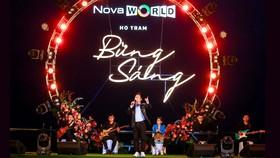 Bằng Kiều thể hiện loạt bài hit trên sân khấu biển Hồ Tràm