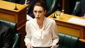 Thủ tướng New Zealand Jacinda Ardern phát biểu tại Quốc hội, ở Wellington, ngày 2-12. Ảnh: AP